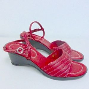 Ann Taylor Red leather Wedge Sandals 9 kattia